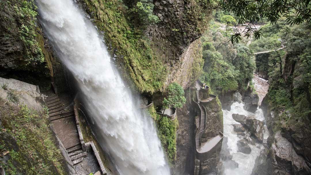 Hiking To The Devil's Cauldron: Rio Verde, Ecuador