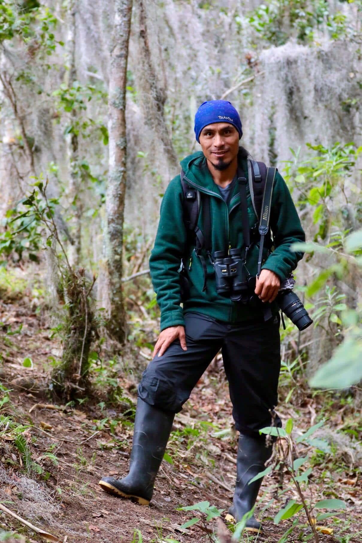 Carlos Diaz, Birdwatching Guide in Baños, Patate, and Tunguraghua